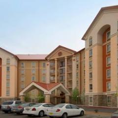 Drury Inn& Suites