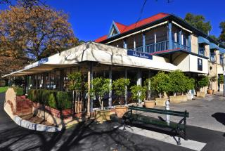 Jolleys Boathouse Restaurant