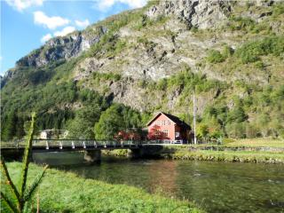 Flam Hiking As