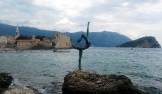 Ballet Dancer Statue