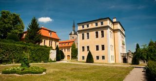 Ettersburg Castle And Park