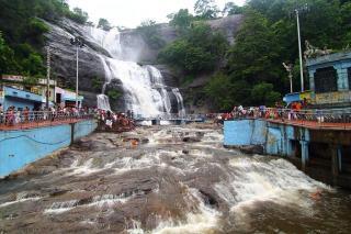 Kutralam Main Falls