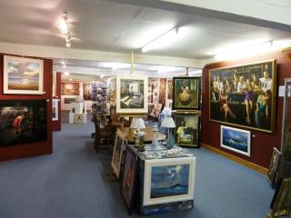 the leighton art gallery