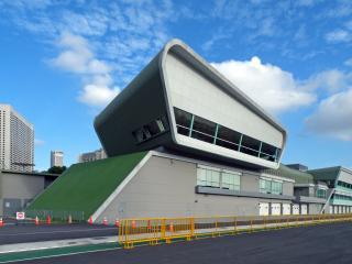F1 Pit Building