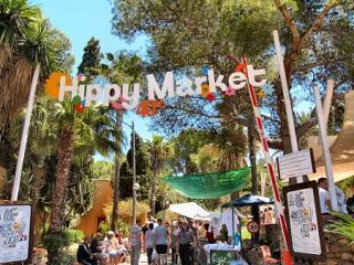 Punta Arabi Wednesday Hippy Market