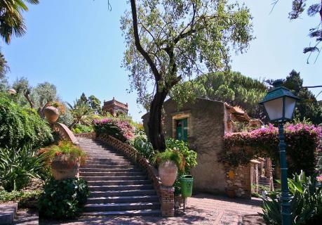 Villa in Taormina buy price