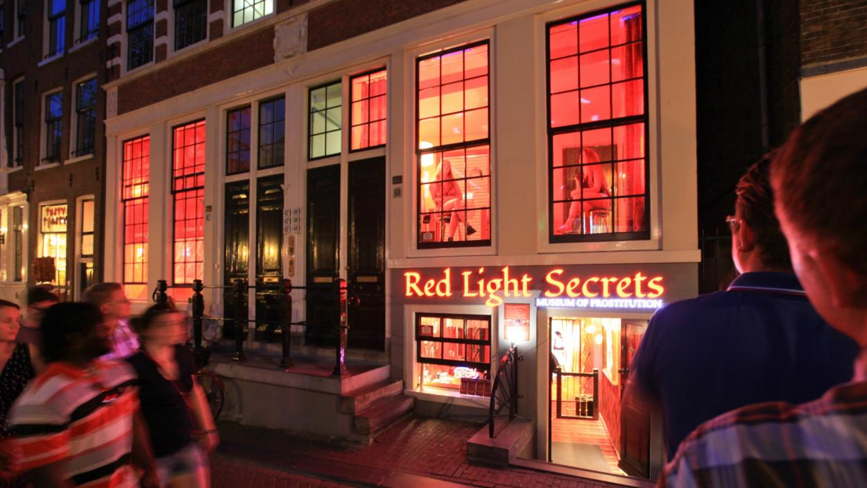 red light district walking tours in amsterdam triphobo. Black Bedroom Furniture Sets. Home Design Ideas