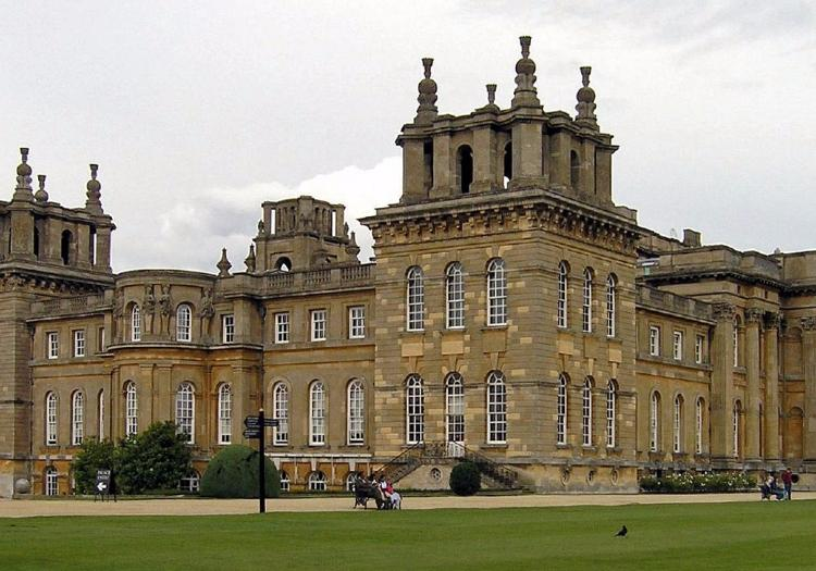 Blenheim Palace, Downton Abbey Village And The Cotswolds - London