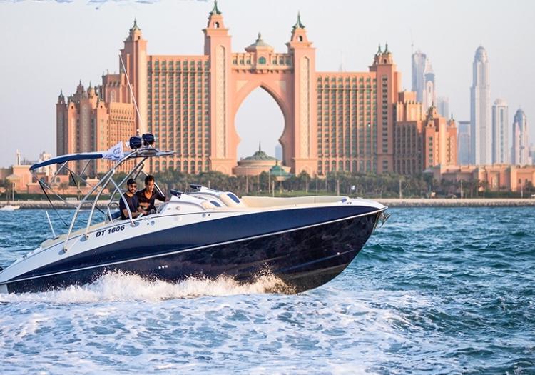 90 Mins Cruising Along Dubai Marina- Atlantis And Burj Al Arab