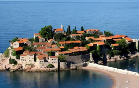 How to get in and get around Budva