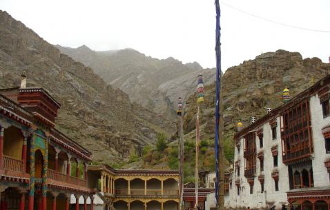 Travel to Hemis