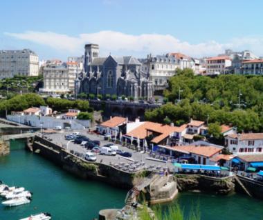 Port Des Pecheurs Tours