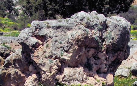 Sibyl Rock Image