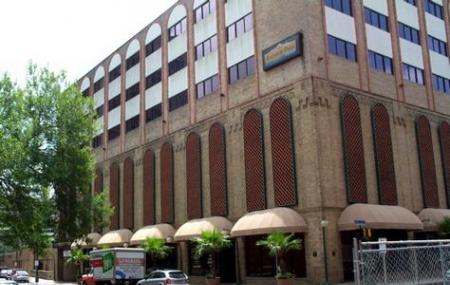 Riverwalk Plaza Hotel Image