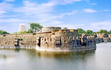 Vellore Fort Image