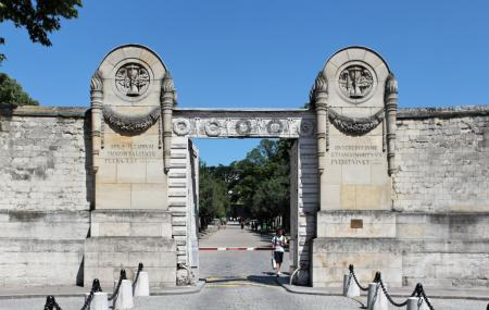 Pere-lachaise Cemetery Image