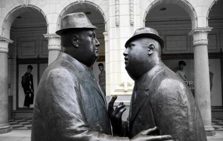 Conversation Sculpture Image