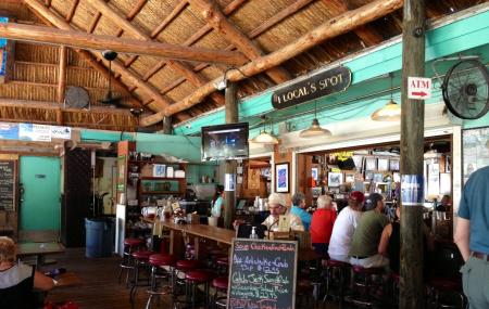 Hogfish Bar And Grill Image
