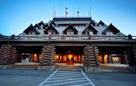 Old Faithful Inn Image