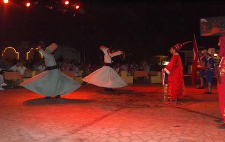 Karen Turkish Night, Icmeler