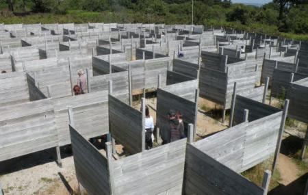 Peninsula Le Labyrinthe Image