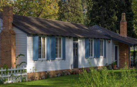 La Trobe's Cottage Image