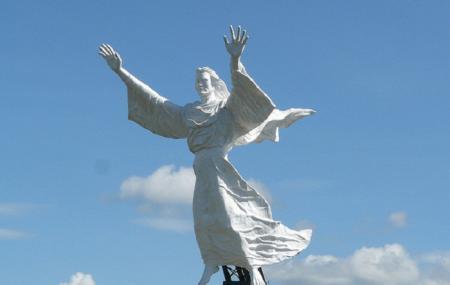 Yesus Kase Berkat, Manado