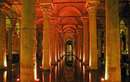 Basilica Cistern Image