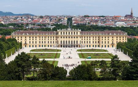 Schonbrunn Palace Image