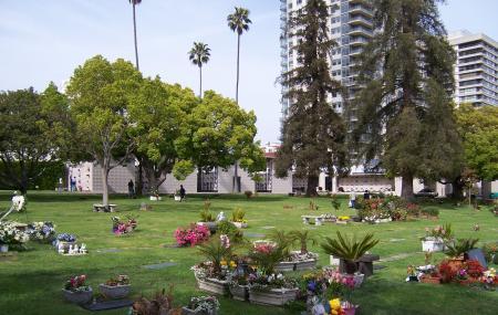 Westwood Village Memorial Park Cemetery, Los Angeles