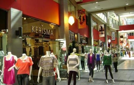 La Fashion District Image
