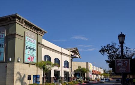 Las Americas Premium Outlets Image
