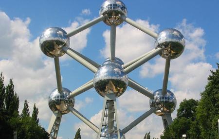 Atomium Image