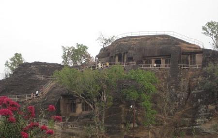 Pandav Caves, Pachmarhi