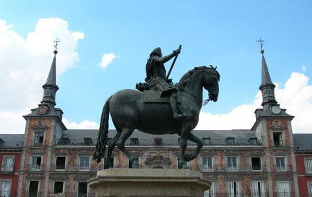 Estatua Felipe Iii Image