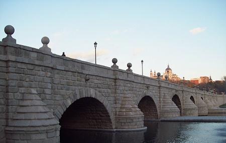 Puente De Segovia Image