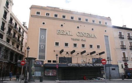 Plaza De Isabel I I, Madrid