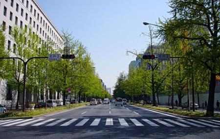 Midosuji Sculpture Street, Osaka