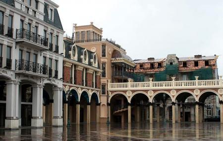 Batumi Piazza, Batumi