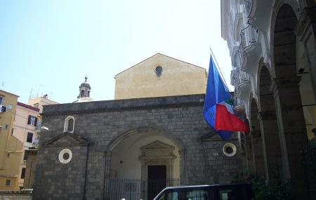 Sant'anna Dei Lombardi, Naples
