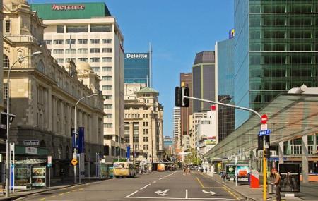 Queen Street Image