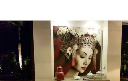 Nyaman Gallery Image