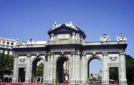 Alcalá Gate Image