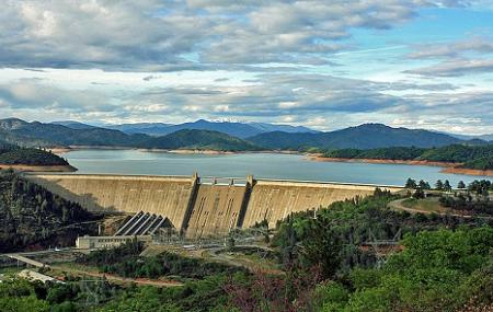 Shasta Dam, Shasta Lake