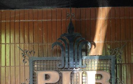 Pub 28 Image