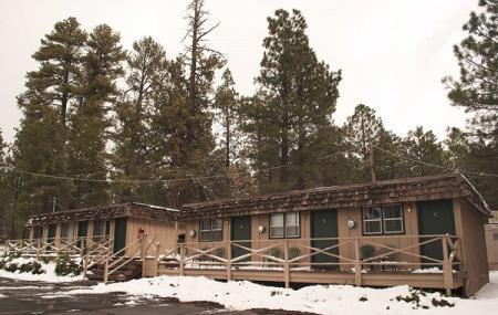 Ski Lift Lodge & Cabins Image