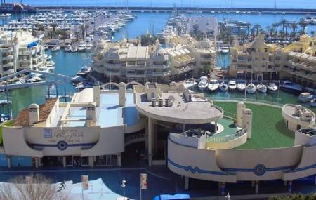 Puerto Marina Shopping Image