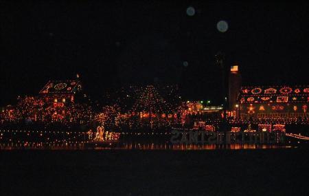 Koziar's Christmas Village Image