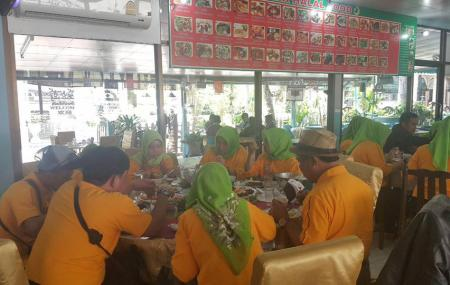 Amir Halal Food Image