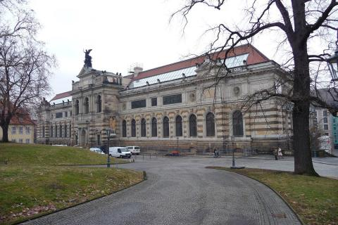 Wachwitz Castle, Dresden | Reviews | Ticket Price | Timings ...